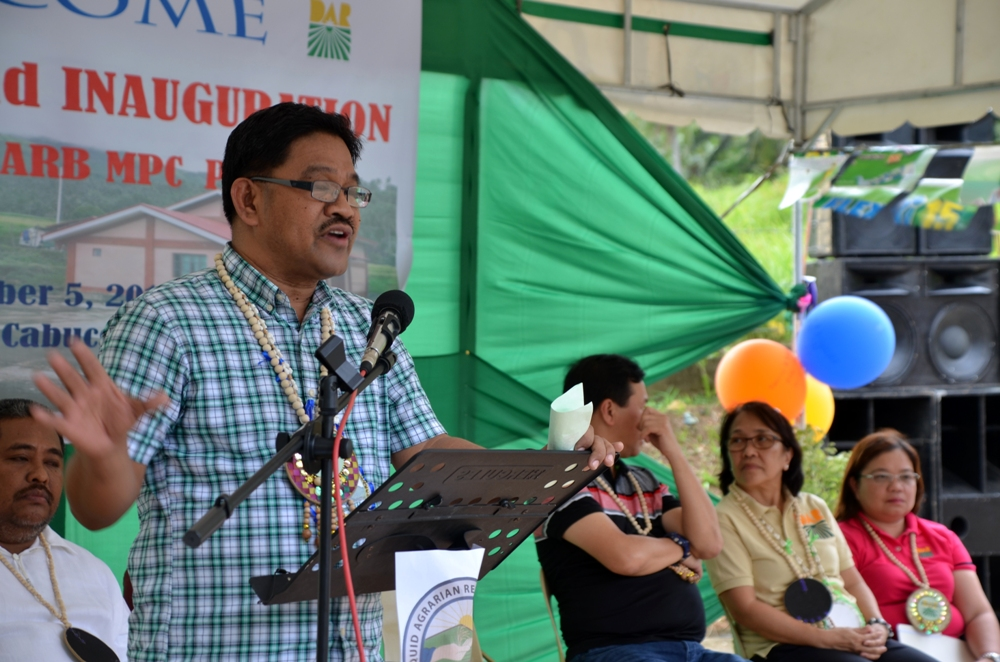 DAR Secretary Rafael Mariano delivers his message during the inauguration and turn over ceremony.